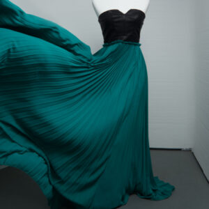 evening dress with a long flowing green skirt, great outfit option for a glamour photoshoot